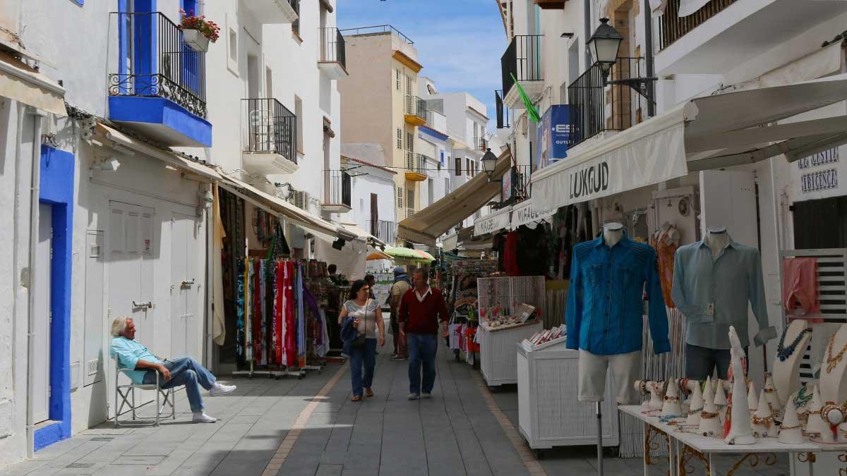 shopping-ibiza-streets