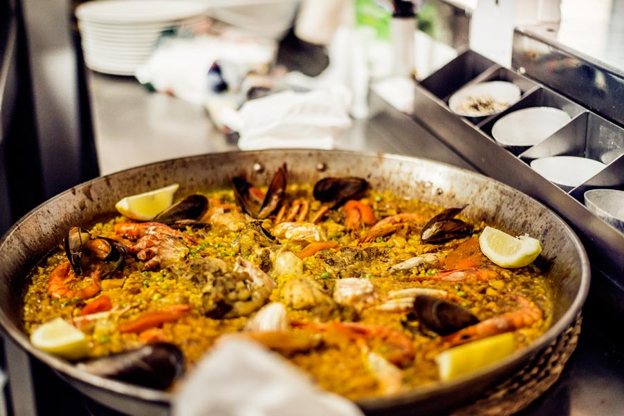 eat paella in ibiza