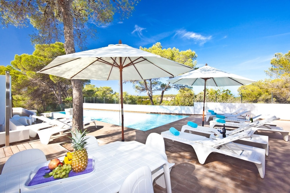Relax area with swimming pool rental luxury house in Ibiza