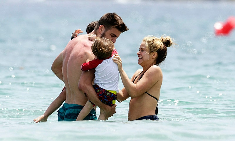 shakira and pique in ibiza