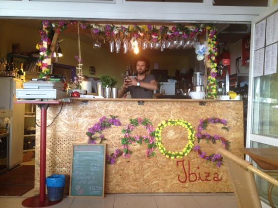 ibiza healthy food - Caos restaurant