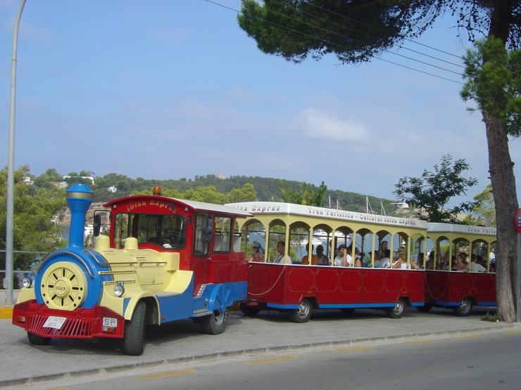 Ride the Ibiza Express as a family on the island