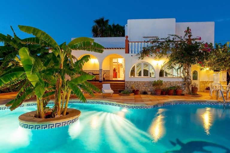 Romantic villas for couples in Ibiza