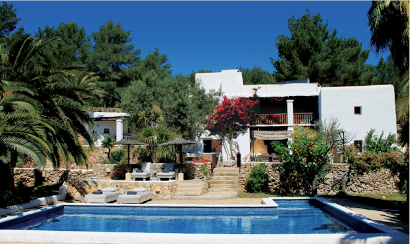 rent large villa in Ibiza for familie