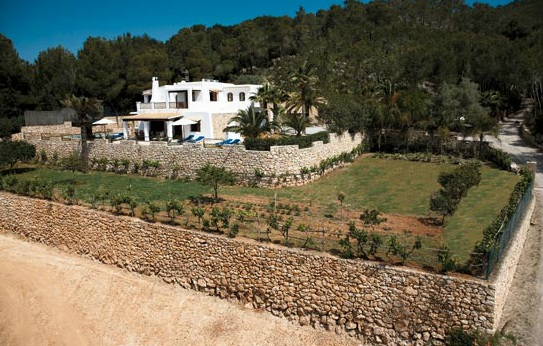 general view of the rental house and its garden in ibiza