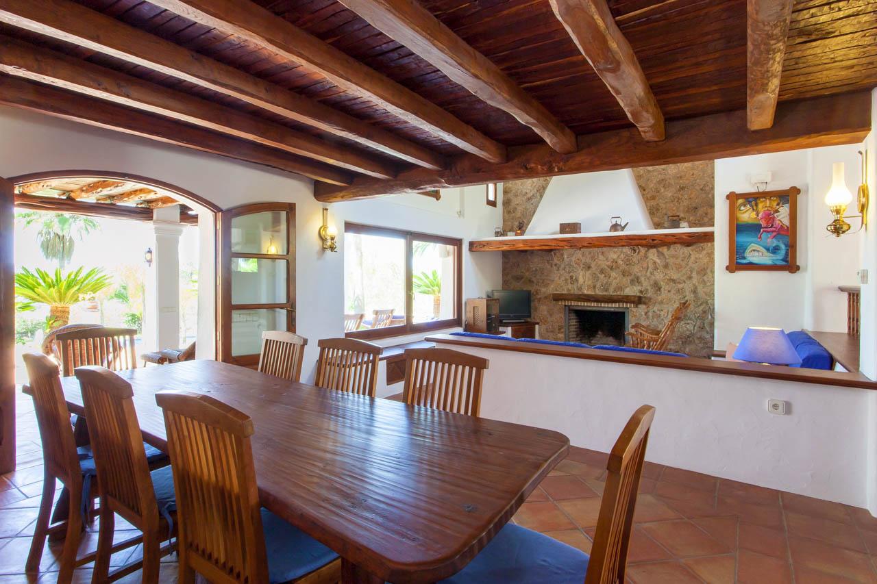 Villa palmeres alquiler de casa con piscina privada en for Casa con piscina privada alquiler