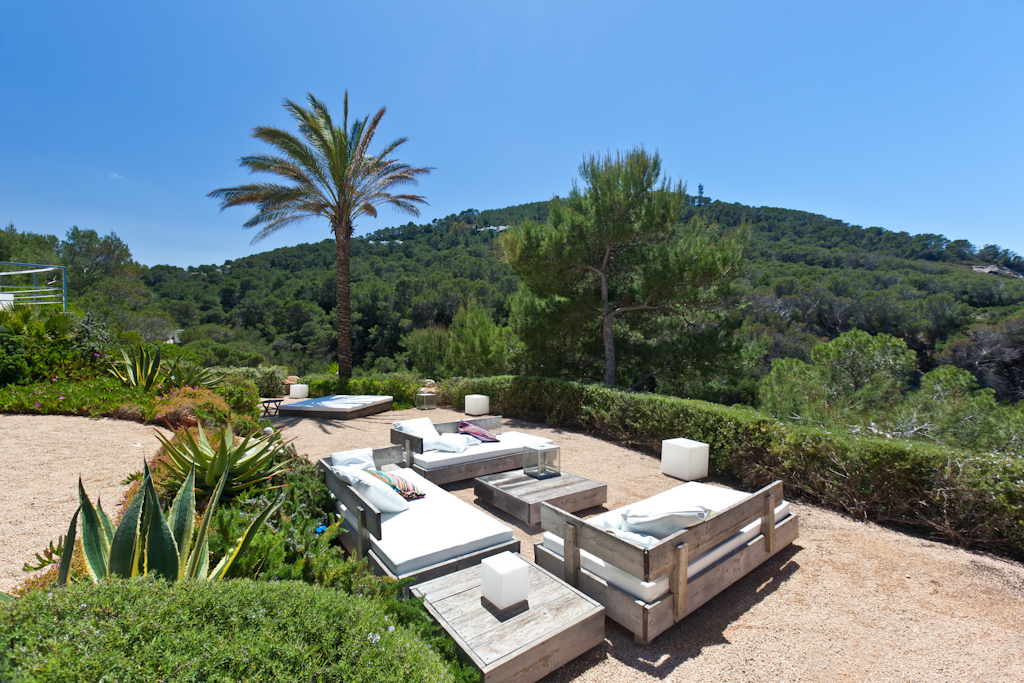 Garden zone in a rental house of Ibiza