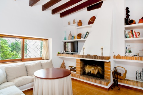rustic decoration in a rental villa in ibiza