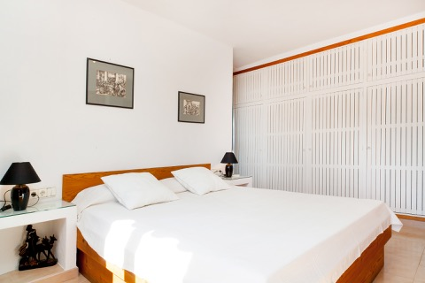 couple bed rental in ibiza