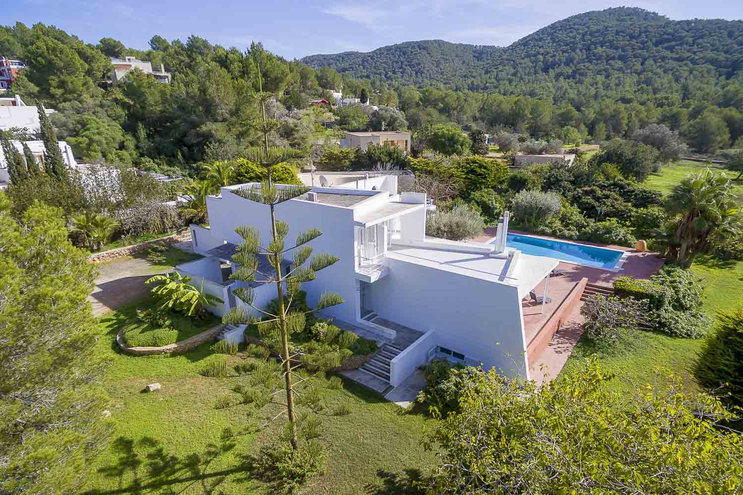 Panoramic house for rent with swimming pool in ibiza in full nature