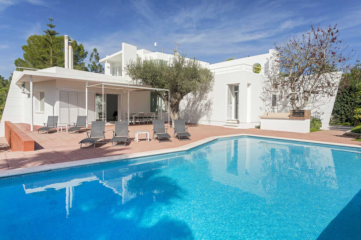 house for rent in ibiza with swimming pool