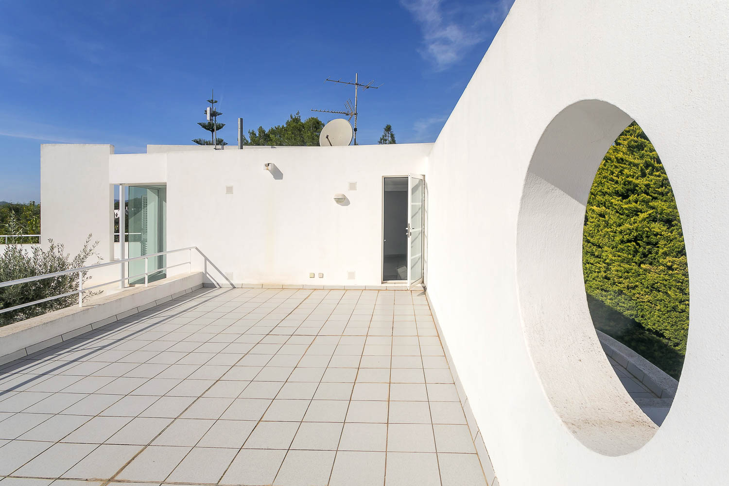 Entrance to the house for rent in ibiza
