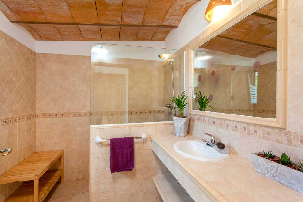 Bathroom with shower in a rental house of Ibiza