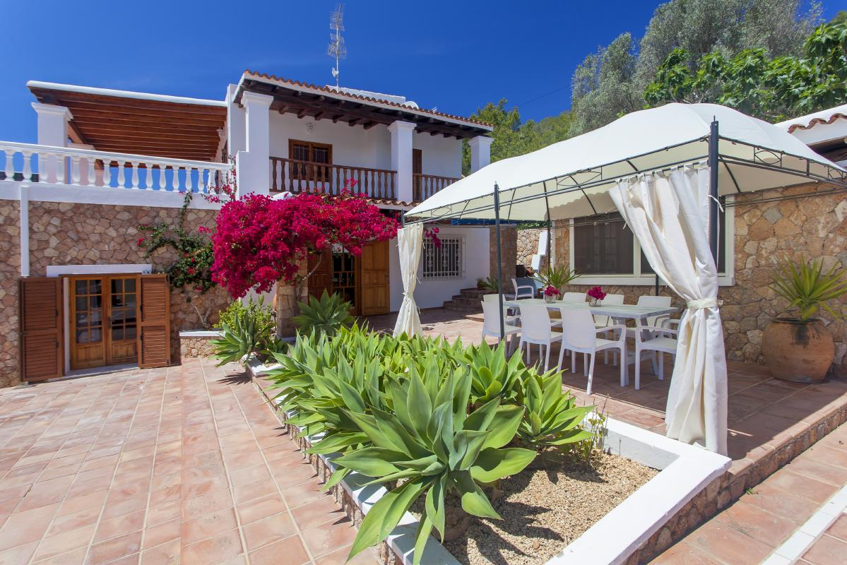 Outside area to eat barbeques or spend time in your house for rent in ibiza