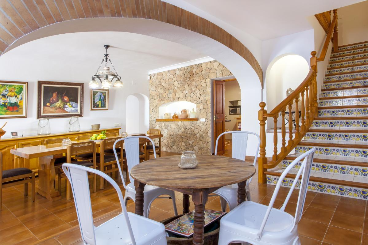 Spacious dining area in house for rent in ibiza