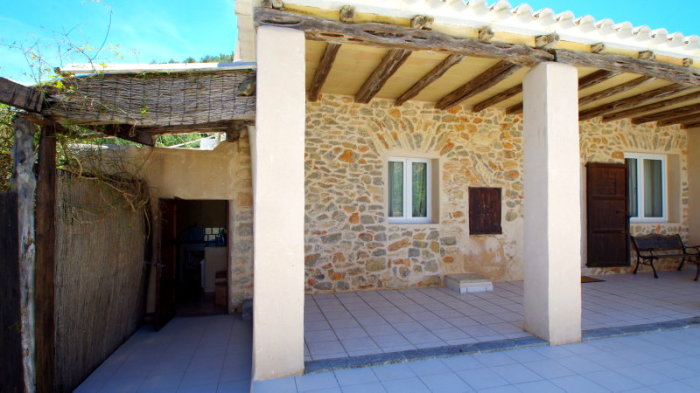 General view of the entrance of a rental house in Ibiza
